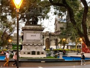 plaza25demayo_LaRioja_capital